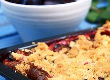 Ciasto drożdżowe ze śliwkami i kruszonką - ugotuj