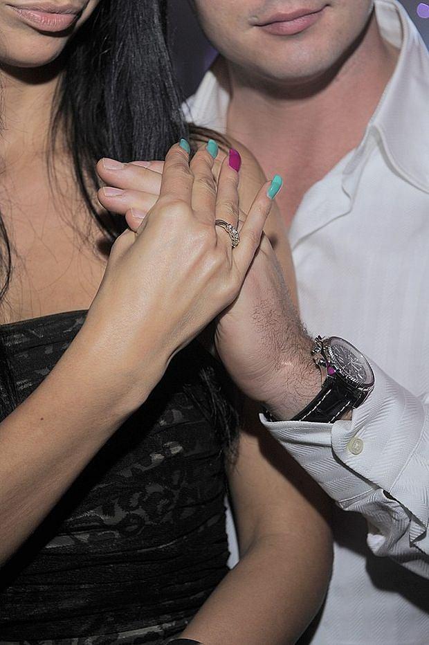 Zdjęcie numer 5 w galerii - Rutowicz pokazała pierścionek. ZARĘCZYNOWY