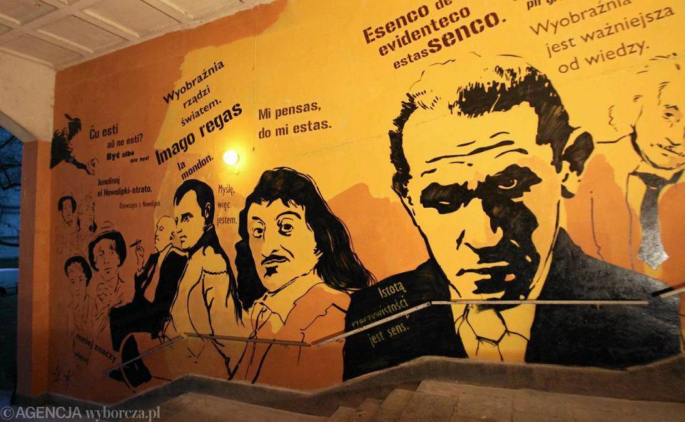 Muran w z muralem zamenhof i dziewcz ta z nowolipek for Mural ursynow