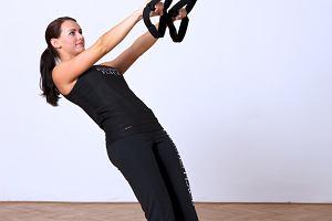 Ćwiczenia na brzuch - Jungle Gym i taśmy TRX