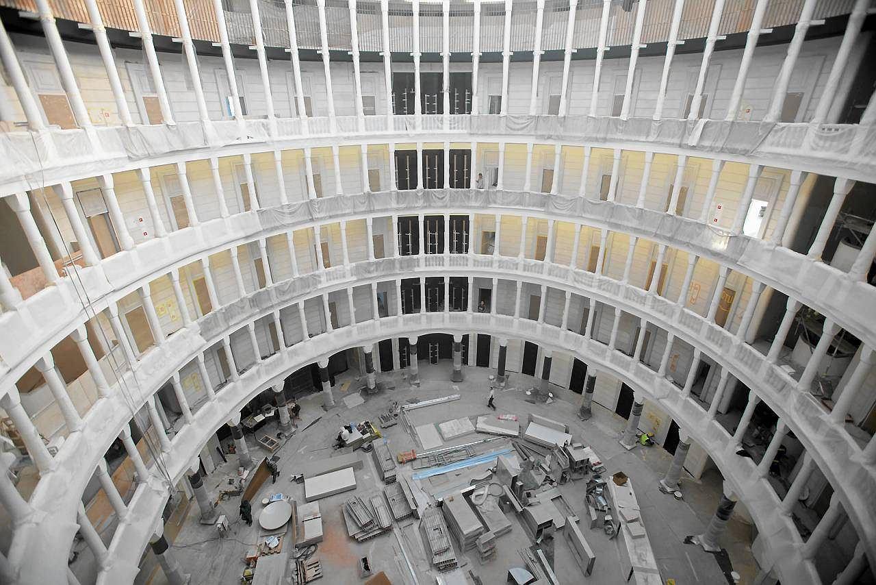 Siedziba bieruta zamieni a si w luksusowy biurowiec for Ufficio primo warszawa