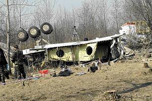 Wojskowi logistycy w Smoleńsku. Sprawdzą, czy wrak można przewieźć samochodami