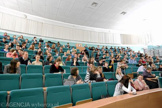 Uczelnie szukaj� student�w na Grouponie