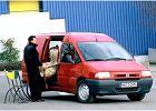 FIAT Scudo TD, rok produkcji 1996,  widok przedni prawy, samoch�d 4-drzwiowy, kolor czerwony jasny