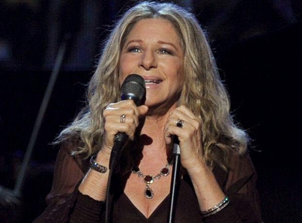 """Sukcesywnie informujemy Was o postępach Barbry Streisand w pracy nad nowym krążkiem """"Partners"""". Dziś zachęcamy do obejrzenia klipu, który odsłania kulisy pracy artystki z Babyface'em."""