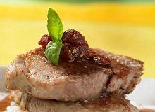 Piecze� wieprzowa w sosie wi�niowym - ugotuj