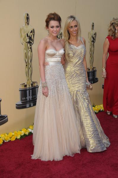 03/07/2010 - Miley Cyrus and mother Tish Cyrus - 82nd Annual Academy Awards - Arrivals - Kodak Theatre - Hollywood, CA, USA - Keywords:  - 0 -  - Photo Credit: Bob Charlotte  / PR Photos - Contact (1-866-551-7827)