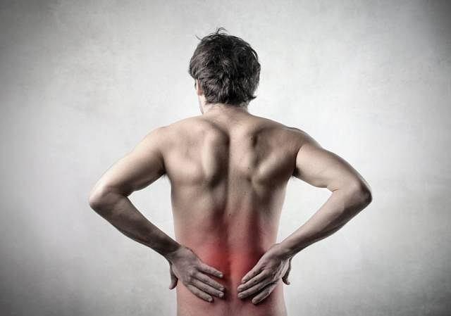 Lumbago to bardzo silny ból pleców w okolicy lędźwiowej.
