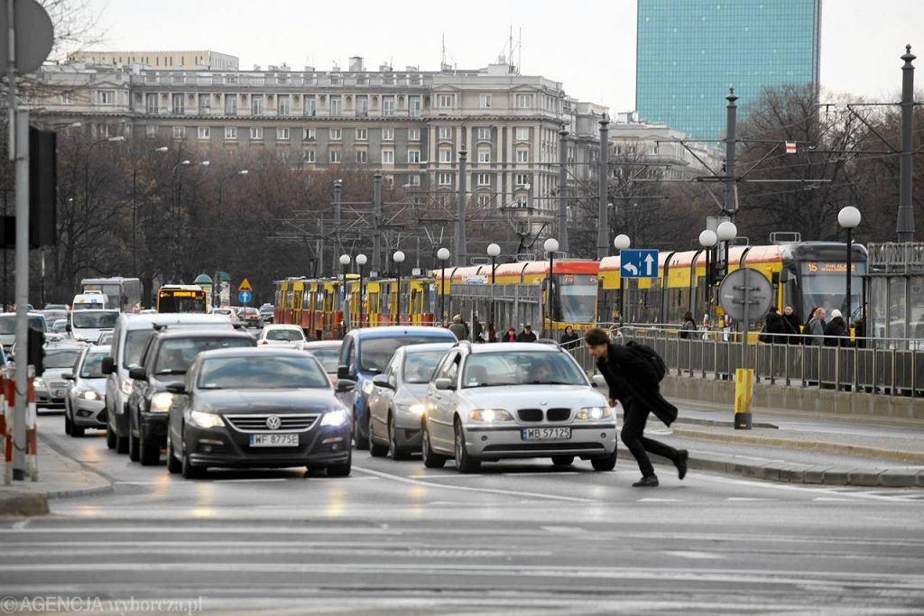 Zakorkowany plac Bankowy w Warszawie