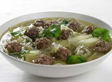 Zupa z makaronem ryżowym i mięsem mielonym - ugotuj