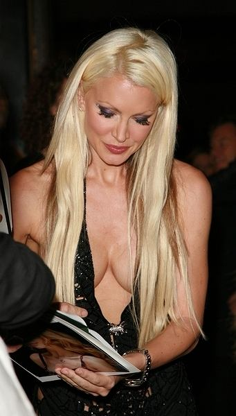 Caprice wy�le Britney majtki