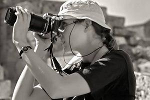 Małgorzata Strzelec, z wykształcenia psycholog, z zawodu tłumacz, z zamiłowania podróżnik i fotograf