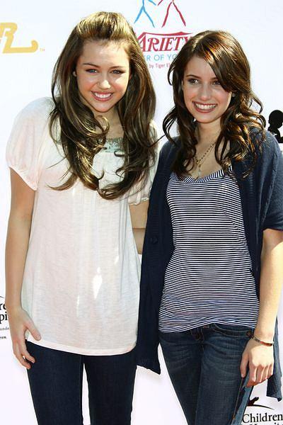 Zdjęcie numer 2 w galerii - Vanessa i Miley, czyli siła młodości