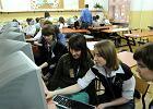 Gimnazjali�ci z Twardej podczas internetowych korepetycji z matematyki