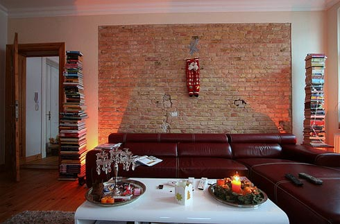 Kolor w salonie - Charming image of red and brown interior decorating design ideas ...