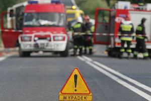 Gro�ny wypadek pod �eb�. Zablokowana trasa do kurortu
