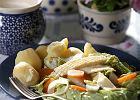 Ser z Korycina na ciep�o z warzywami