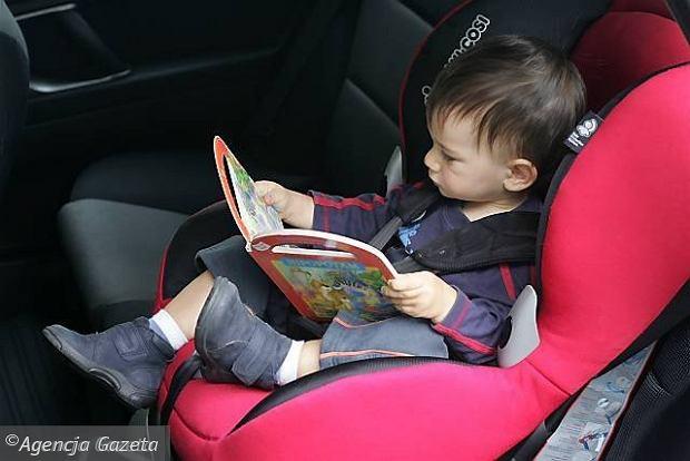Dziecko w podr�y | Co warto wiedzie� przed zakupem fotelika samochodowego?