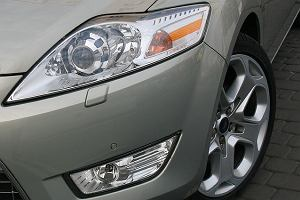 Ford Mondeo 2.2 TDCI GhiaX kombi - test | Za kierownicą