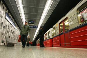 U�atwienia dla os�b niedowidz�cych w warszawskim metrze?