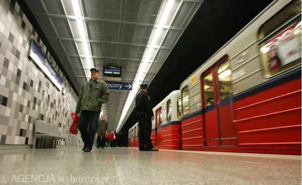 Ułatwienia dla osób niedowidzących w warszawskim metrze?