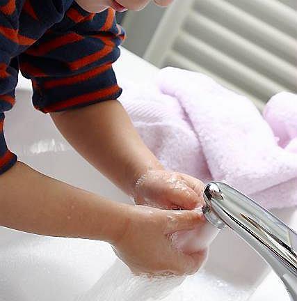 Uwaga na owsiki u dzieci: jaja owsików łatwo się przenoszą