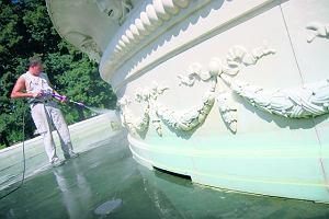 Zdewastowali fontann� w Ogrodzie Saskim