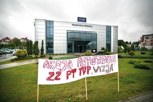 Protest w telewizji: Aktualno�ci na czarno