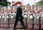 Prezydent Bia�orusi ta�szy od zapa�ek