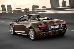 Audi R8 i ciekn�ce paliwo