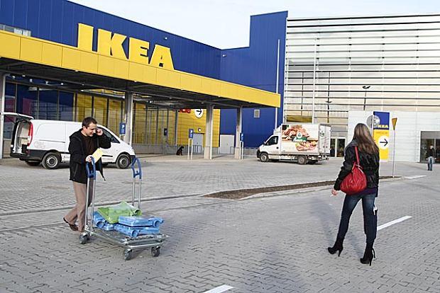 Ikea remontuje polsk� kolej. Wr�ci�y poci�gi Szczytno-Wielbark