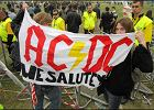AC/DC przerywa tras� w USA. Wokalista zespo�u musi ratowa� s�uch