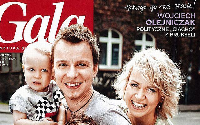 Piotr Kupicha wraz z żoną i dziećmi na okładce magazynu