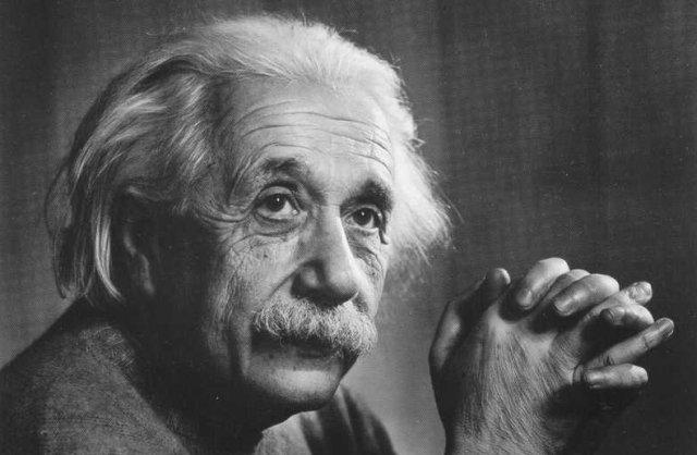 Zdjęcie numer 5 w galerii - Tajemnica rozwichrzonej fryzury Alberta Einsteina oraz jego ostatnich słów przed śmiercią