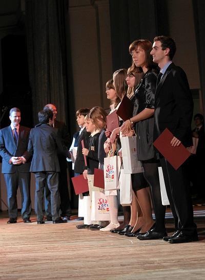 Stypendia Jana Paw�a II dla 600 uczni�w i student�w