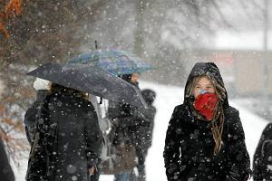 Miasta z darmow� komunikacj� z powodu zimy. Bez Warszawy