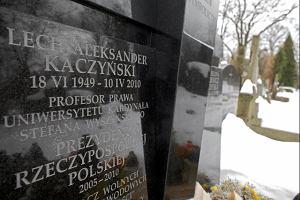 Lech i Maria Kaczy�scy maj� gr�b na Pow�zkach