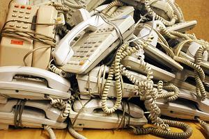 Telefon stacjonarny do lamusa. Co 3 firma w Polsce korzysta jedynie kom�rek