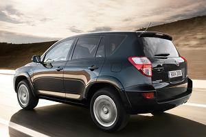 Toyota RAV4 ta�sza o 6 tys. z�