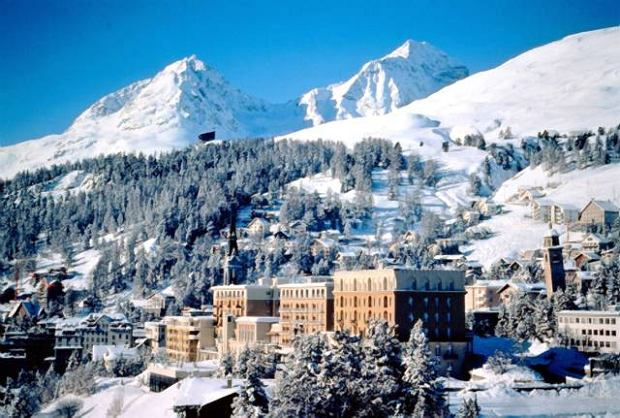 Celebrity Vacation spots - St. Moritz, Switzerland;  Star Appeal: With 322 days of sun a year, pristine slopes and shopping fitting even the most upscale customer, the Swiss Alps destination is like a little piece of heaven. Among the constellations are tycoons, European royals and Hollywood who's whos.  Hot Spots: King's Club, Sunny Bar, Ca d'Oro, La Marmite  Famous Faces: George Clooney, Naomi Campbell, Elizabeth Hurley, Prince Charles /face to face  - Germany, Austria, Switzerland and Eastern European rights only -