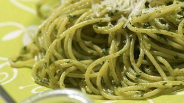 Spaghetti z sosem z pietruszki