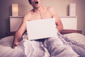 Uzależnienie od pornografii - skąd się bierze i jak sobie z nim poradzić?