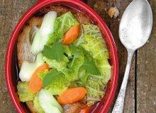 Zupa z włoskiej kapusty i selera naciowego - ugotuj