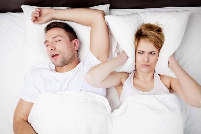 Mimo że metod walki z chrapaniem i bezdechem sennym jest wiele to zdaniem specjalistów jedną ze skuteczniejszych jest metoda celonu