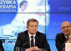 Donald Tusk i minister zdrowia Bartosz Ar�ukowicz oraz prezezs Polskiego Towarzystwa Onkologicznego podczas przedstawiania za�o�e� tzw. pakietu onkologicznego. Zdj�cie z marca 2014 r.