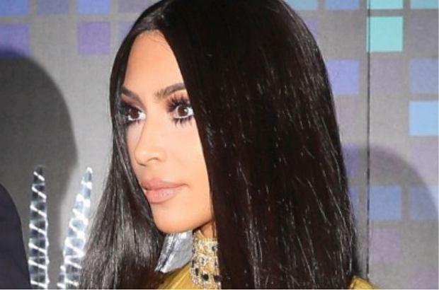 Kim Kardashian po raz kolejny zaszalała ze strojem na Halloween. Przebrała się za Cher, ta zaś skomentowała jej strój. I była zachwycona!