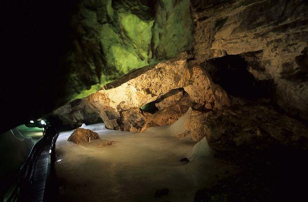 Słowacja. Demianowska Jaskinia Lodowa / shutterstock