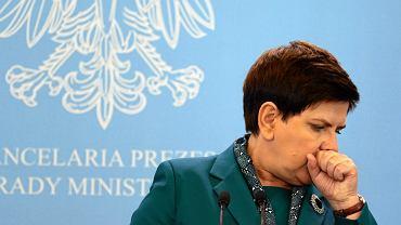 Premier Beata Szydło podczas konferencji prasowej po posiedzeniu rządu. Warszawa, KPRM, 19 września 2017