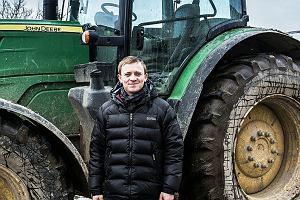 """Polski rolnik rozlicza się z Unią Europejską. """"Trzeba wyrównać dopłaty do ziemi. Niemiec dostaje o kilkadziesiąt euro więcej na hektar"""""""