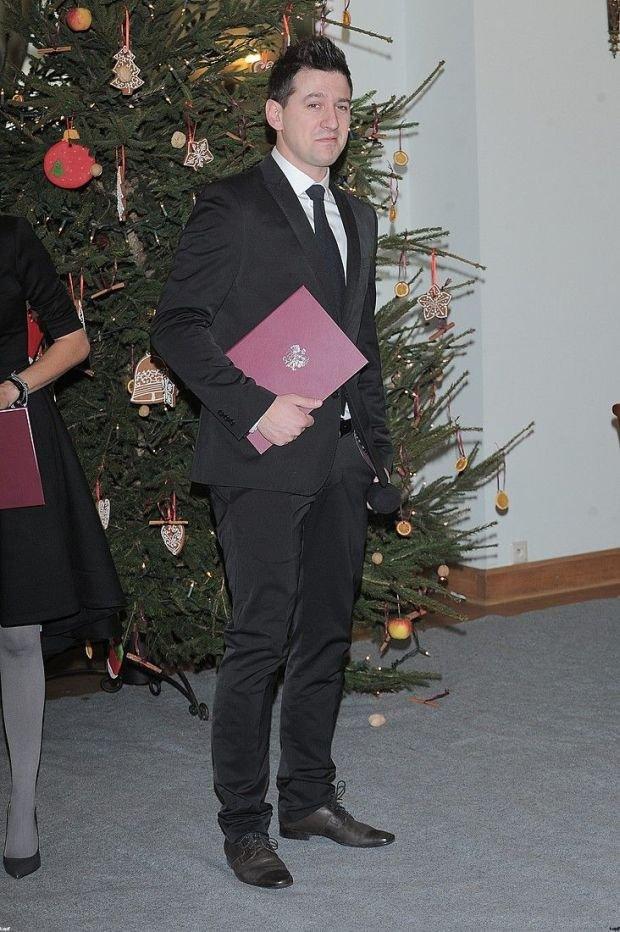 Maciej Rock, stylowy mężczyzna logo24